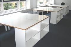Schreibtische mit Regalelement - beschichtete Spanplatte mit Buchenholzumleimer
