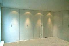 Schlafzimmerschrank - Esche, weiß lackiert