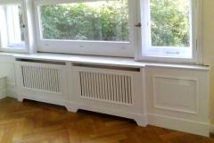 Heizkörperverkleidung mit Sitzbank - weiß lackiert