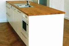 Einbauküche - weiß lackiert, Arbeitsplatte Eiche massiv