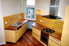 Einbauküche - Kirsche, deckende Lackierung
