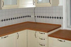 Einbauküche - Front lackiert, Arbeitsplatte Kirschbaum, geölt
